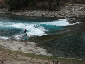 Pretty cool stuff going on in the river... on cycle trail to Alberttown